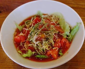 一 米粉トマト麺