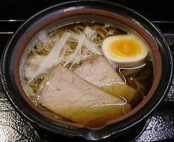土鍋屋 土鍋ラーメン/醤油・細麺