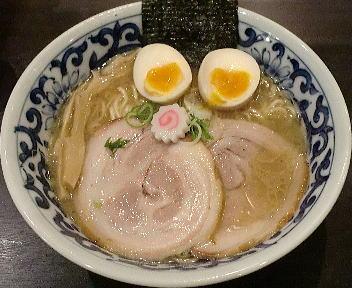 東京駅斑鳩 東京駅らー麺