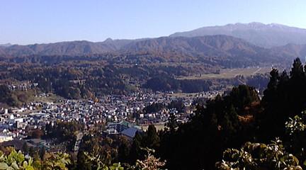 城山から望む守門岳
