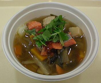 にいがた冬食の陣当日座 越後鮭親子すいとん鍋