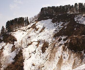 山の雪解け