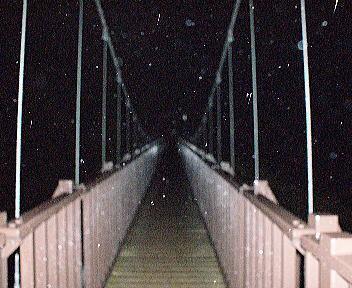 燕温泉 河原の湯 つり橋