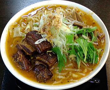 暁天 角煮みそ麺(中盛)