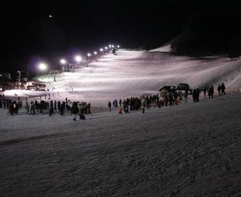 野沢温泉スキー場 冬の灯明夜まつり ゲレンデ