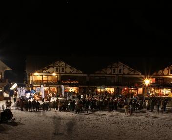 野沢温泉スキー場 冬の灯明夜まつり ステージ