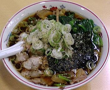 青島西掘 チャーシューメン(大盛)+ねぎ50+ほうれん草100