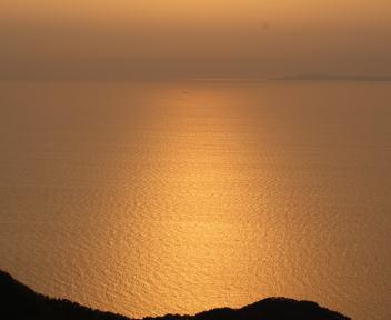 弥彦山 海