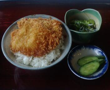 三面川ドライブイン ラーメン定食