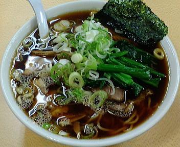 青島西掘 ラーメン(大盛)+ねぎ50+ほうれん草50