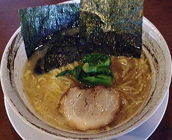 東京軒 トンコツ醤油ラーメン
