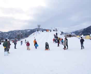 2010スノーフェスティバルin越路 雪山巨大すべり台