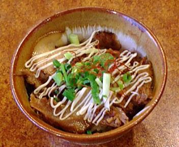 万人家紫竹山店 炙りちゃーしゅー丼