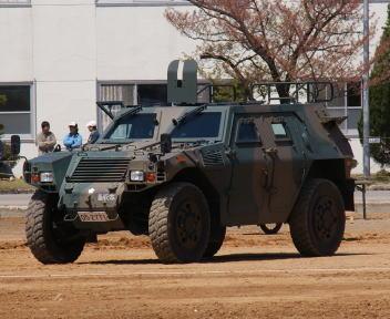 高田駐屯地記念行事 軽装甲機動車
