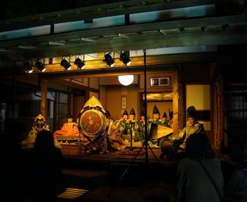 楽山苑ライトアップ 雅楽演奏会