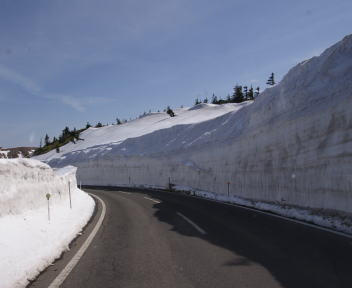 志賀高原 雪の壁