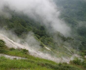 蓮華温泉 野天風呂周辺