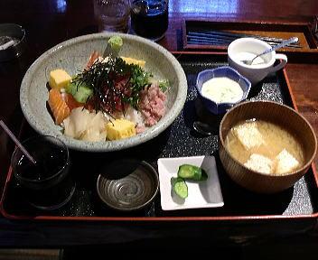 然 海鮮丼ランチ