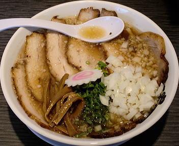 SEN 背脂肉拉麺+たまねぎ