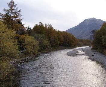 上高地 梓川と焼岳