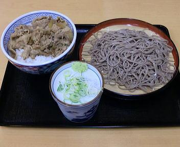 吉野家 牛丼と十割そばセット(もりそば)
