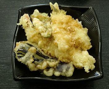 春の味覚 300円横丁 天丼(米粉の衣使用)