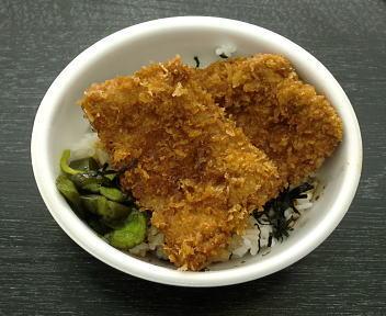 春の味覚 300円横丁 越後もち豚タレかつ丼