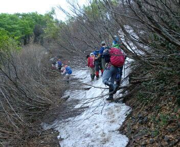 松平山 コース 残雪