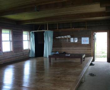 米山 山頂 避難小屋 内部1階