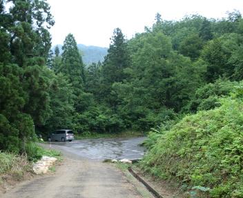 粟ヶ岳 登山者用駐車場