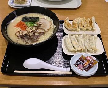玄 とんこつラーメン(大盛)+餃子×2