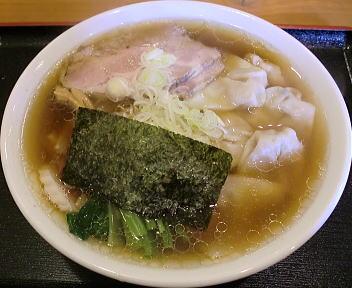 六綵亭 ワンタンメン