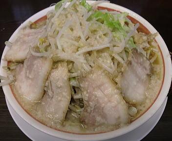 松 こってりらーめん(大盛+野菜増し)