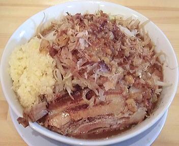 麺マッチョ ラーメン(野菜増し、にんにくマッチョ増し、カラメ増し)