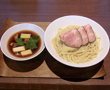 赤シャモジ 深雪もち豚と「ゆきちから」のつけ麺(大盛)
