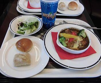 ユニバーサル・スタジオ・ジャパン スタジオ・スターズ・レストラン 焼きチーズカレーセット+コーラL