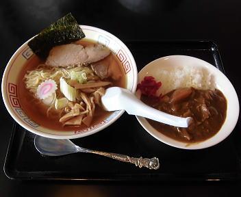 越らーめん ラーメン・半カレーセット(支那そば)