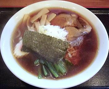 六綵亭 ラーメン(中盛)