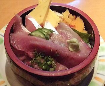 海鮮鮨市場 活ぶりちらしランチ