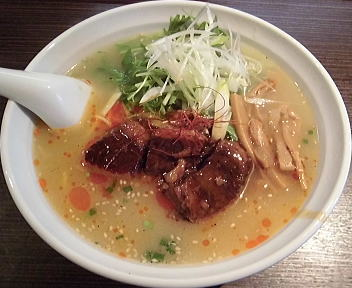 天弓 牛骨牛肉白湯麺