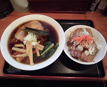 六綵亭 ラーメン+焼肉丼