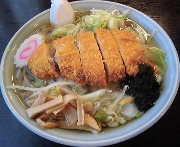 豊岡精肉・焼肉店 とんこつラーメン