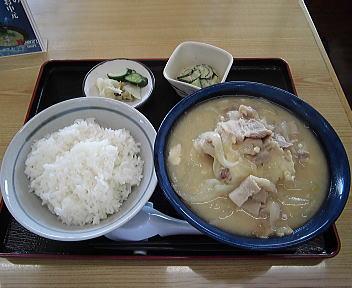 たちばな とん汁定食(大盛)