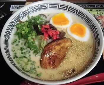 博多麺番長小針店 ホワイトとんこつ麺