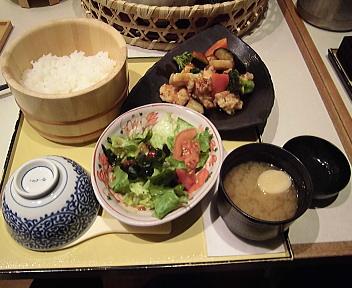 四六時中秋田御所野店 純輝鶏の黒酢和え定食