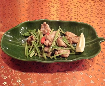 Spicy Market 上木戸店 香菜(パクチーの芽)炒め(鶏肉)