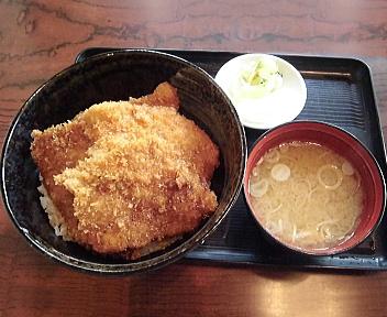 とんかつ 政ちゃん 並かつ丼と味噌汁