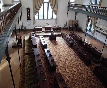 新潟県政記念館 新潟県議会議事堂