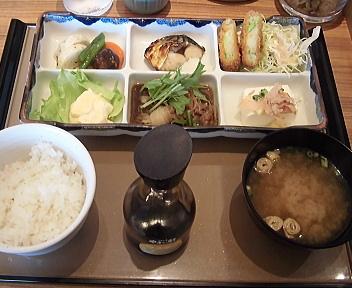 やよい軒松崎店 彩定食