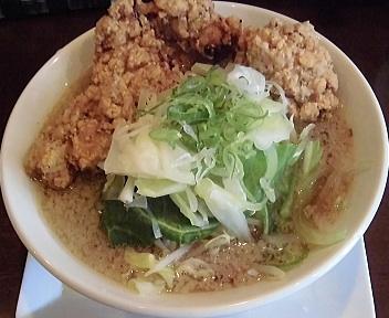 嚆矢 鶏の唐揚げ野菜背油ラーメン
